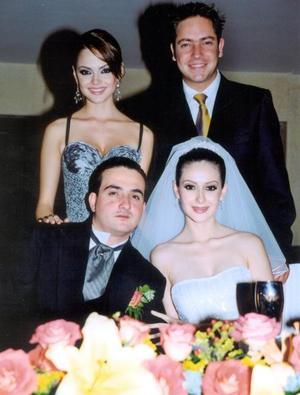 Marisol González y su novio Jan con los novios Luis Hermosillo y Abril González.