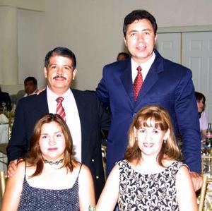Pedro Antonio Robles Trillo y Sandra de Robles, Miguet Dávila y Lupita de Dávila.