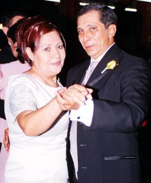 Rosy Lugo de Sosa y Carlos Sosa Acosta.