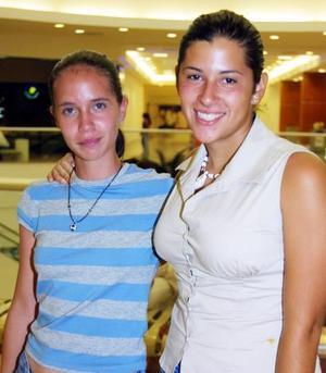 Dulce Zurita y Alejandra Pliego.