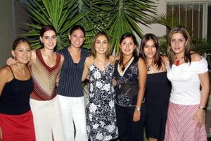 La fiesta de despedida de Mariana Ataxka Torres fue preparado por sus amistades íntimas; Mirvat Jalil, Laura Orduñon, Marisela Cañedo, Minerva Mena, Claudia Estrada y Cristina Méndez.