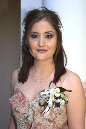 Linda Y. Fernández en la despedida de soltera que le ofrecieron con motivo de su próxima boda con Pablo Carrillo