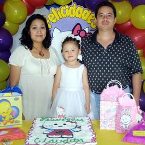 Por sus tres años de vida, la niña Elsa Claudia García Vallejo fue festejada con un convivio ofrecido po r sus paás Ricardo García y Elsa Claudia V. de García.
