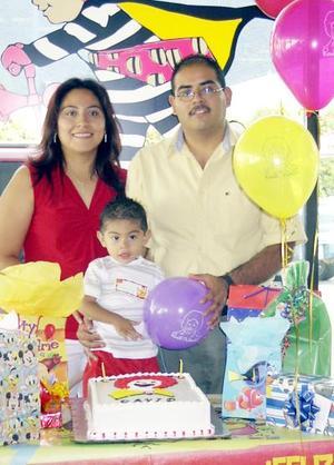 David Hernández celebró su segundo cumpleaños con un convivio ofrecido por sus papás Oswaldo Hernández y Virginia G. de Hernández.