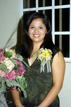 Damas integrantes de las familias López Esparza y Requejo Torres festejaron a Giselle López Esparza con un convivio con motivo de su próximo enlace con Juan Antonio Requejo Torres.