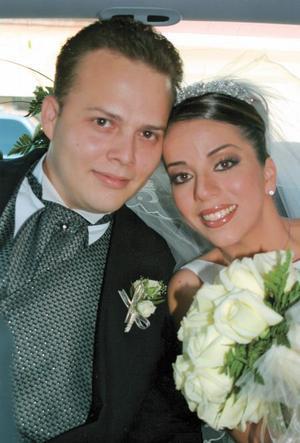 Luis Genaro Torres Arenal y Ana Tere García Martínez el día de su enlace nupcial.