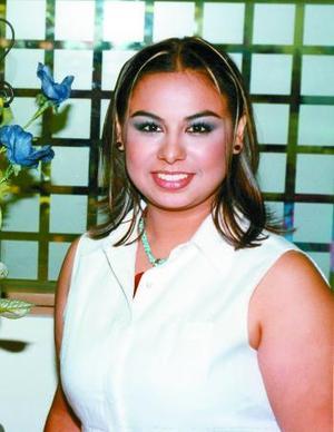 María Sol de la Rosa García en la primera despedida de soltera ofrecida por su mamá Teresa García de De la Rosa y su futura suegra Amparo Peña de Pérez Vetti