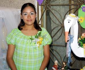 Numerosos obsequios recibió en su fiesta de canastilla Verónica Robles Hernández ofrecida por Francisca Hernández Ávila.