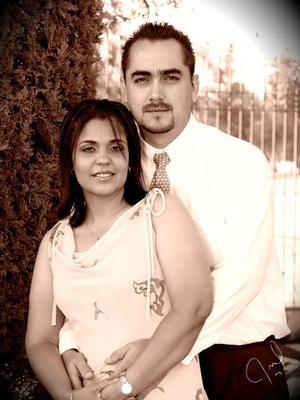 María Teresa del Rocío Vázquez Martínez y Eduardo Rosales Velázquez contrajeron matrimonio recientemente.