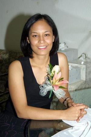 Con una despedida de soltera, festejaron a Montserray Quirarte García, preprarada por Estela García Rocha.