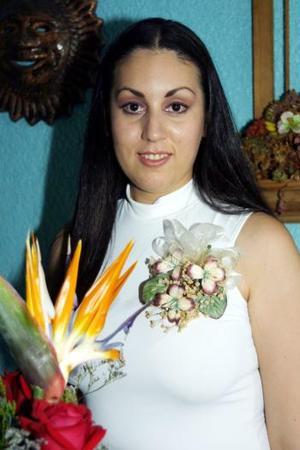 Una primera despedida de soltera le ofrecieron a Olga E. Esquivel Márquez, con motivo de su enlace nupcial con Roberto Cruz VIllegas, el próximo 20 de septiembre.