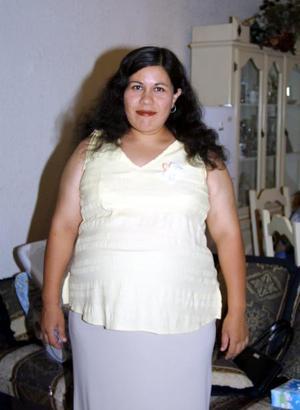 Amaranta Sandoval de Arguijo en la fiesta de canastilla que le ofrecieron recientemente.