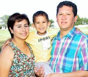 Jorge Alejandro García Vela cumplió cinco años de vida, ocasión que celebró con una divertida fiesta organizada por sus padres Eduardo García Granados y María Angélica Vela Zul.