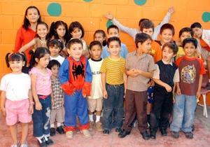 <b>24 y 25  de agosto </b> <p> Una gran fiesta fue ofrecida en honor de Diego Alonso, con motivo de su cuarto cumpleaños, sus padres, Arturo Hoyos y Maribel Álamos, invitaron a sus muchos amiguitos.