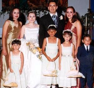 <b> 24 y 25 de agosto </b> <p> Susana Elizabeth Medina Suárez y  Juan Francisco Zapata Escalera en compañía de las hermanas del novio, Érika y Lic. Jéssica Zapata Escalera.
