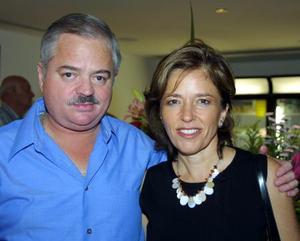 Adolfo Garza Riveroll y Alejandra Salas de Garza.