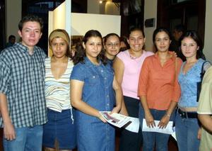 Fernando González, Patricia Pérez, Luz Alicia Viela, Mónica Quezada, Cecilia Romero, Virginia Casto y Edna Morales.
