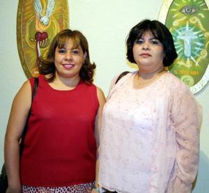 Sandra Roque y Guadalupe Carrete.