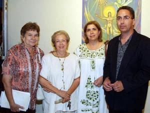 Sarita Ugarte, velia Ruiz y Evodio Seáñez.