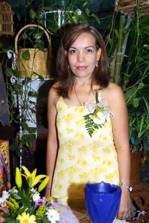 Irma Delia Castro Galindo fue despedida de su vida de soltera, con motivo de su cercano enlace con Agustín Hernández.