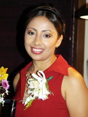 Patricia Anaya de la Torre en su festejo pre nupcial.