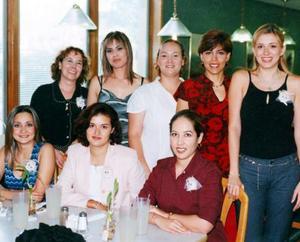 Valeria Campuzano disfrutó de la asistencia a su despedida de soltera de sus amigas, Carmen de Briones, Ale de García Murra, Silvia de Ávalos, Lorena de Ávalos, Jazmín González, Érika García Mora y Claudia Rivas.