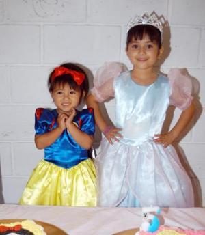 <b> 28 de agisto </b> <p> Sofía y Anagaby Muñoz Olloqui celebraron su segundo y quinto cumpleaños respectivamente con un convivio preparado por sus papás, Gaby Olloqui de Muñoz y Alfonso Muñoz Cisneros.