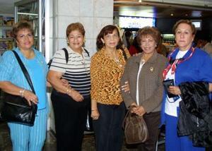 En plan de paseo se trasladaron a Europa, Rosa María Duéñez, Lilia García, Martha del Real, María de Jesús Valdivia y Covadonga Aguirre.