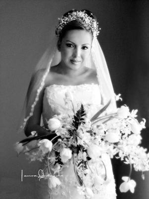 Srita. Julia Isabel Lozano Zapata el día de su enlace nupcial con el Sr. Alonso Armando Hernández Segovia. <p><i>Estudio Laura Grageda</i>