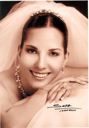 Srita Mariana Delgado Medina el día de su enlace nupcial con el Lic. Javier Robles Heimpel. <p>  <i>Studio Sosa</i>