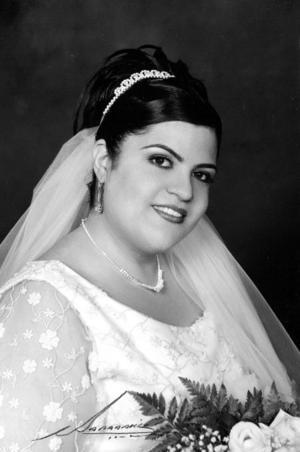 Srita. Laura Alina Tirado Maldonado el día de su enlace matrimonial con el Sr. Víctor López Martínez. <p><i>Estudio: Nicolás Papadakis</i>