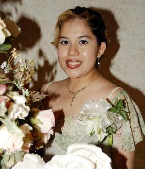 Martha Lizeth Esparza Andrade en su primera despedida de soltera.