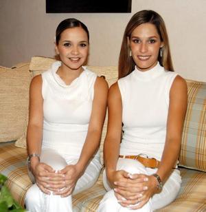 Alejandra Nahle Zarzar y Astrid Alatorre Serna fueron festejadas con motivo de sus respectivas bodas.