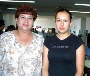 Dora María Esquivel y Valeria Martínez regresaron de Baja California luego de asistir a un Congreso.