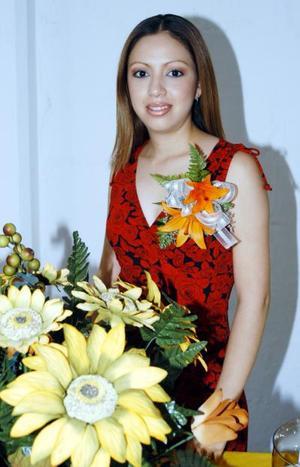Gloria Elizabeth Ramírez Mirazo fue despedida de su soltería por su cercano enlace con Luis Carlos Martínez Ojeda.