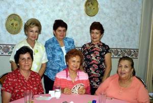 Asistieron a la reciente junta mensual de las damas Leonas, Lupita de Ávila, Vicky de Hamdan, Graciela de Estrella, Nilda de Calero, Olga de Garza y Lety de Aragón.