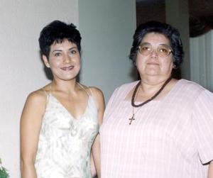 La señora Mary Carmen Cortez de Gómez festejó su cumpleaños en compañía de su mamá Juanita Amezcua de Cortes