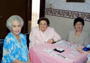 Tulita de Caño, María del Carmen Rivera y Rosy Palafox.
