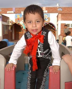 Al cumplir tres años de edad, el niño Fernando Adrián fue festejado por sus padres Fernando Tapia Magos y Martha Angélica Jiménez de Tapia.