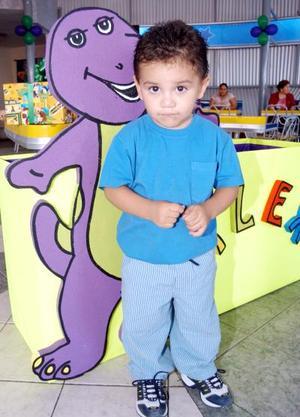 Alejandro Ramírez Armas en la fiesta que le prepararon sus papás Alejandro Ramírez y Susana A. de Ramírez.