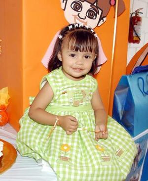 Dos años de edad cumplió la pequela María Fernanda hijita de Abelardo y Marcela Cervantes
