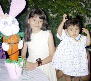 Dulce Ivanna y Ana Vanessa Reyes en pasado convivio social.