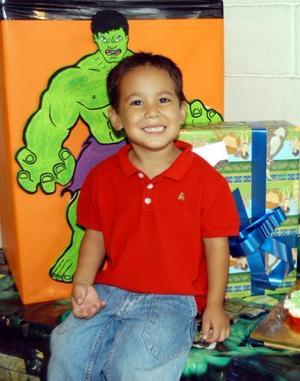 Por su cuarto cumpleaños Jorge Roberto fue festejado con una piñata hijo de los señores Roberto Ramos y Yésika Rodríguez.