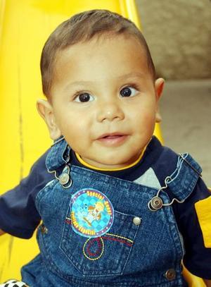 Un año de edad cumplió el pequeño César Alejandro hjijito de los señores Alejandro Salazar y Emma Beatriz Martínez de Salazar.
