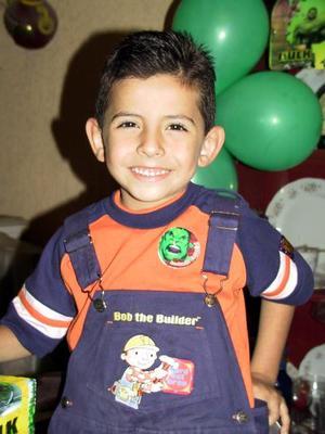 Cinco años de edad cumplió David, motivo por el que sus padres, David Jiménez y Graciela de Jiménez lo festejaron.
