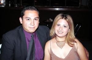Humberto Vázquez Frayre y su novia Camie González Medina.