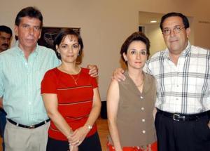 Enrique Román, María de Lourdes Gómez de Román, María del Pilar Gómez y Eduardo Wolf.