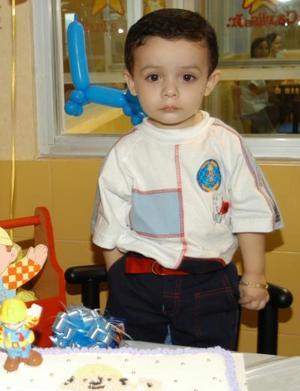 El niño Santiago Adan Vera Velasco en la fiesta que le ofreció por su segundo aniversario su mamá Georgina Vera Velasco.