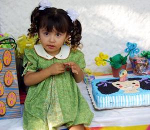 Mónica Michel Ontiveros de Lara cimplió dos años de vida, por ello su mamá Mónica Lara Villa le organizó una divertida fiesta infantil.