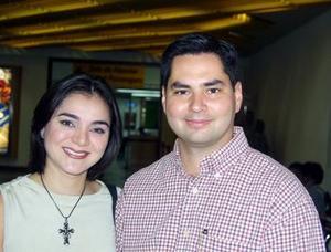 <u> 04 de septiembre </u> <p>  Arlette J. de Díaz de León e Ignacio Díaz de León viajaron a Phoenix, en plan de negocios